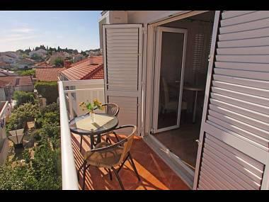 Ljubicasti (2): balcony - 2195 Ljubicasti (2) - Hvar - Hvar - rentals