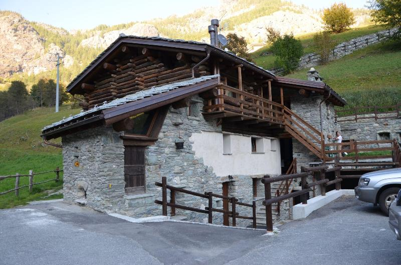 Side South - Close to the ski slope 5px - Valtournenche - rentals