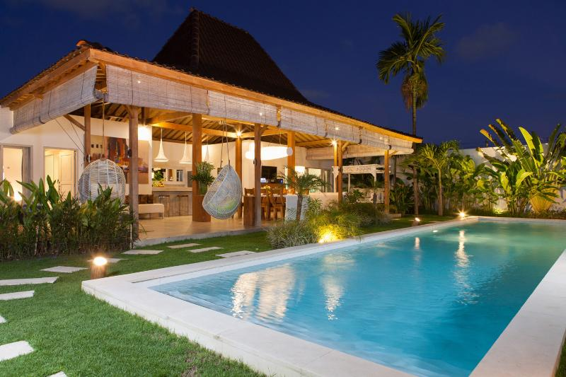 Exterior - Best Holiday Villa Family & Friends 300m EatStreet - Bali - rentals
