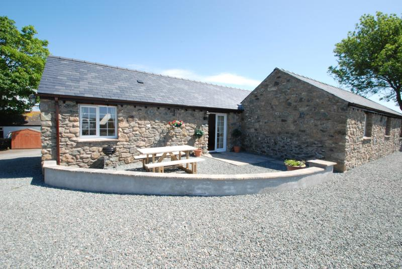 The Stables | Great Escapes Wales - Image 1 - Bodorgan - rentals