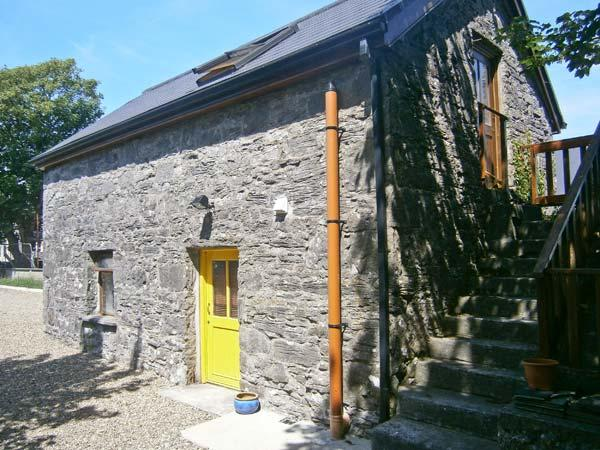 THE GALLERY, romantic retreat, mutli-fuel stove, in Ballinderreen, near Galway, Ref. 23580 - Image 1 - Galway - rentals