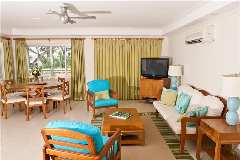 Living and dining areas - 210 Palm Beach Oceanfront Condo - Garrison - rentals