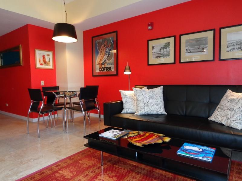 LIVING ROOM/DINING AREA - THE MERCURY ONE BEDROOM SUITE-SOUTH BEACH - Miami Beach - rentals