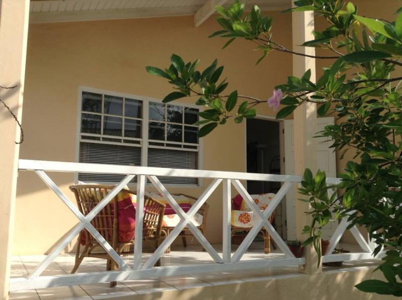 Two young ceders provide delicate shade at the front. - Small and comfy home, beach@5 min. - Willemstad - rentals