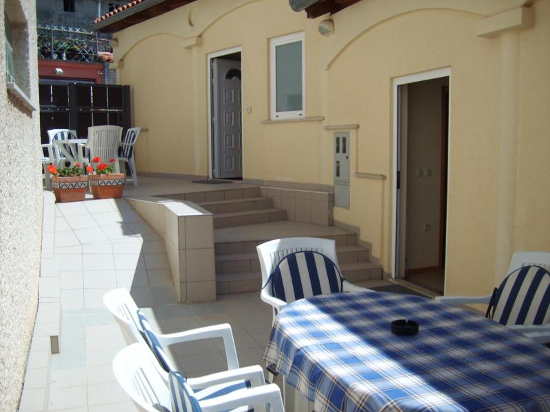 Terrace - Appartment Medulin, 6 persons, with free internet - Medulin - rentals