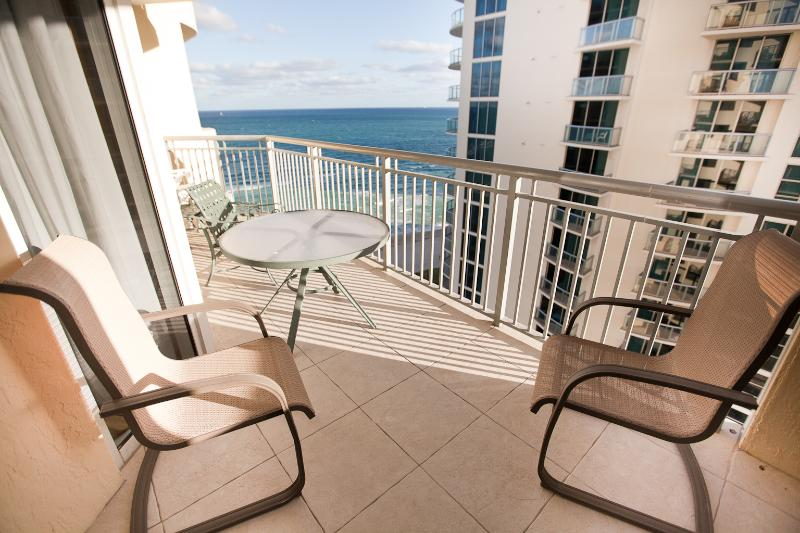 Balcony with Ocean View - 1 BEDROOM @ OCEANFRONT CONDO! GREAT VIEWS! - Sunny Isles Beach - rentals
