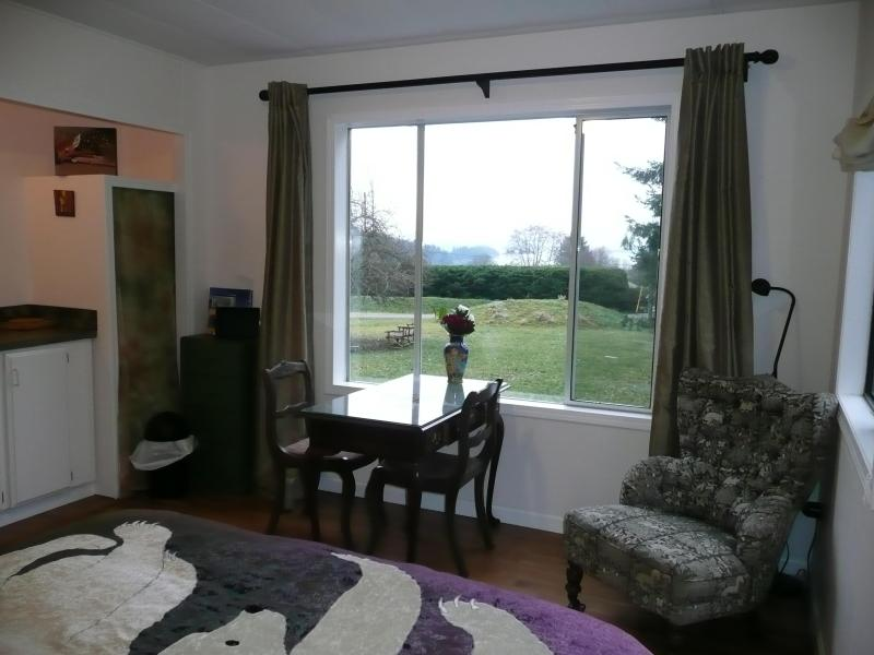Oceanview Suite, private and self-contained - Salt Spring Hideaway: Oceanview Suite - Salt Spring Island - rentals