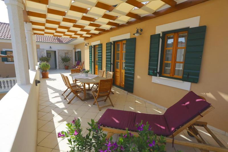 Villa Danica per 5 with swimming pool - Image 1 - Sukosan - rentals