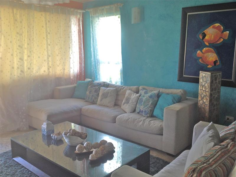 Beautiful 3 bedroom condo in Playa Turquesa Bavaro - Image 1 - Bavaro - rentals