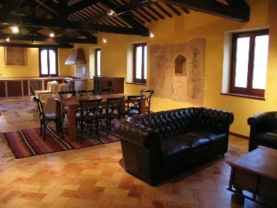 Luxury fully restored livingroom, original wooden beams from XIVth Century!! - Restored Medieval House between SEA & MOUNTAINS - Mogliano - rentals