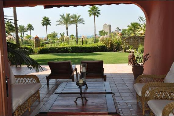 Cosy Beachfront Ground Floor Apt. Torre Bermeja - Image 1 - Estepona - rentals
