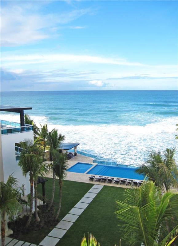 3 BDR Ocean front with roof top terrace - Image 1 - Sosua - rentals