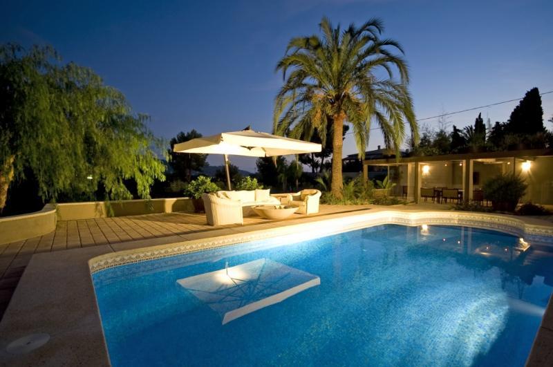 Villa Ca'Paz, pool by night - Villa Ca'Paz special & spacious villa private pool - Altea - rentals