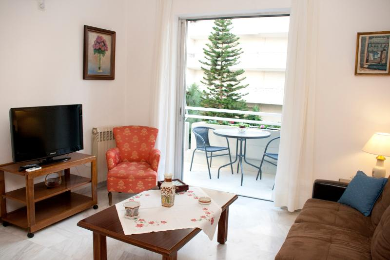 A Homely 2Bedroom Apartment 350m from the beach - Image 1 - Athens - rentals
