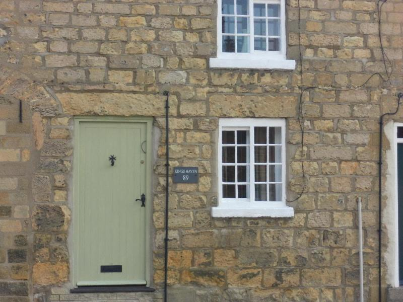 Grade II Listed Cottage close to Town Centre with private parking. - Kings Haven Cottage Pickering North Yorkshire - Pickering - rentals