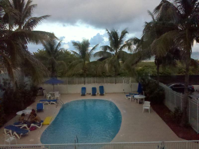 View of the Pool...The Beach right behind the Building. - 335 OCEAN DRIVE BEACH PAD-SOUTH OF FIFTH - Miami Beach - rentals