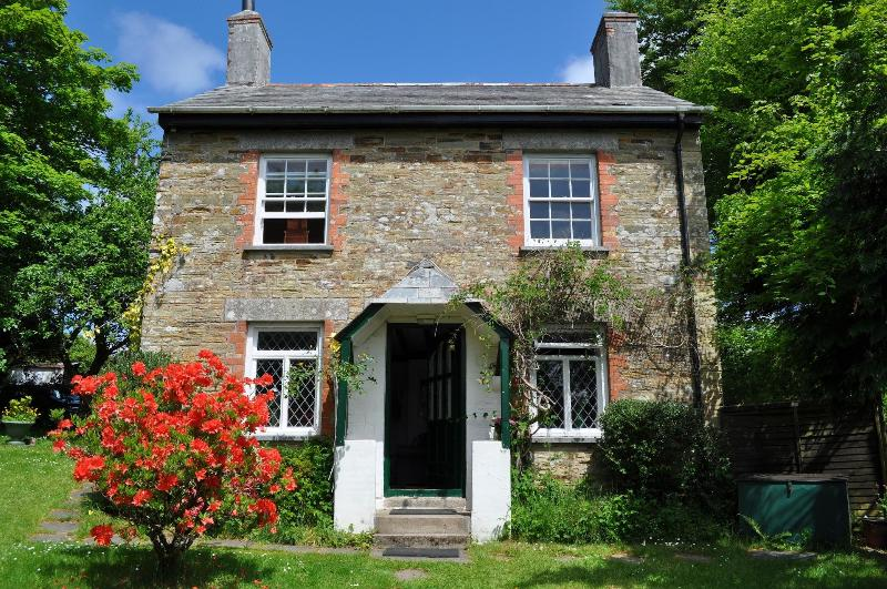 Welcome to Trengrove at Hill House. South facing, peaceful, secluded in stunning Cornish countrside. - Trengrove Cottage at Hill House - Duloe - rentals