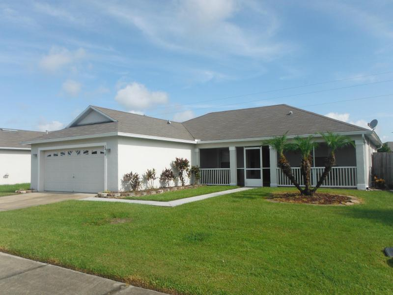 3 Bedroom villa with Private Pool. - Affordable and Pet-Friendly 3 Bedroom Villa (from $95 per night) - Kissimmee - rentals
