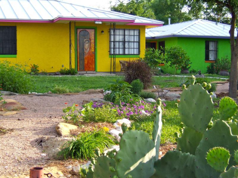 Front view of property with Hair Salon - Casitas de Color  Little Taj Mahal - San Antonio - rentals