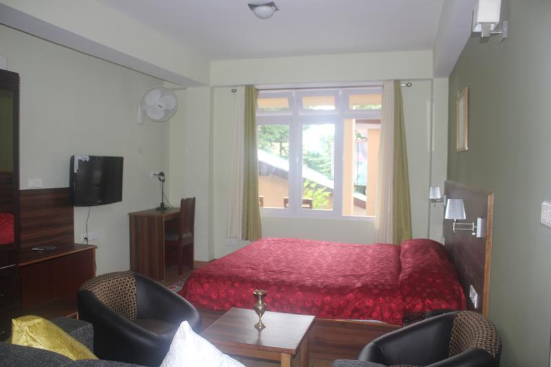 Bedroom & Living - Shumbuk Homes Studio Apartment, Gangtok - Gangtok - rentals