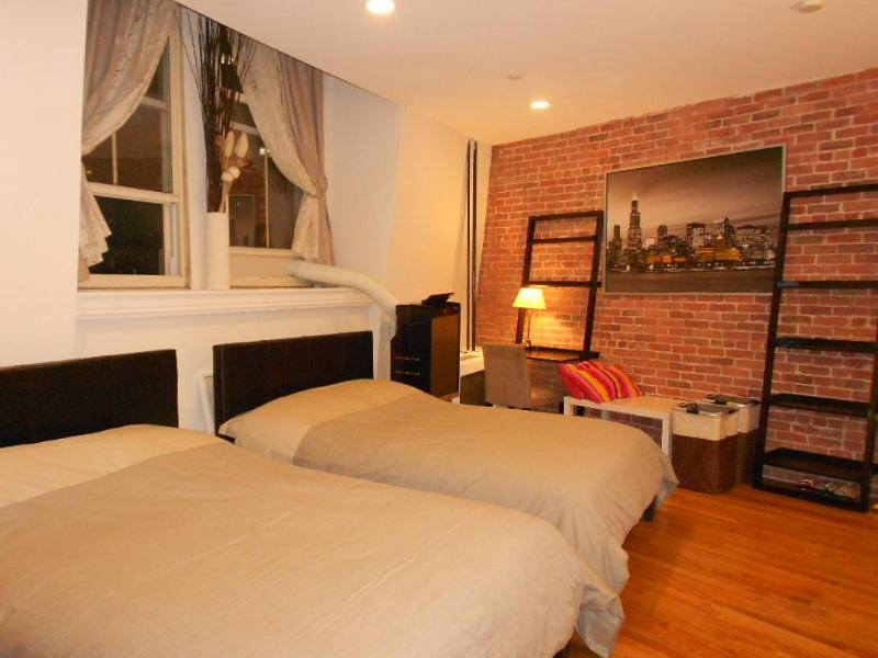 studio near Empire State building &Macy 5-min walk - Image 1 - New York City - rentals