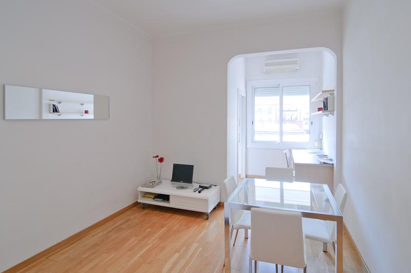 cozy apartment, well located - Image 1 - Barcelona - rentals