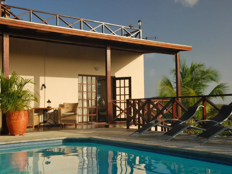 View from our pool at apartment 4 - Curavilla | Luxurious double apartment and pool, 4 - Willemstad - rentals