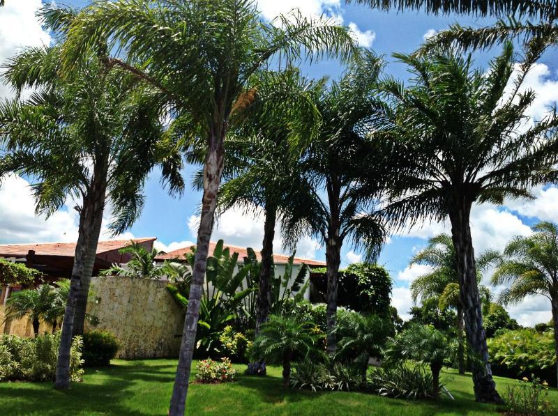 Villa Francesca Main Entrance - Villa Francesca, Casa de Campo - Monsenor Nouel Province - rentals