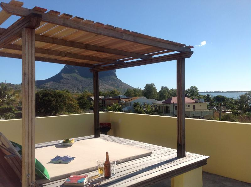 Beautique Studios shared  Roof Terrace with stunning views to Le Morne. - Studio 3 Private terrace with UNESCO views - La Gaulette - rentals
