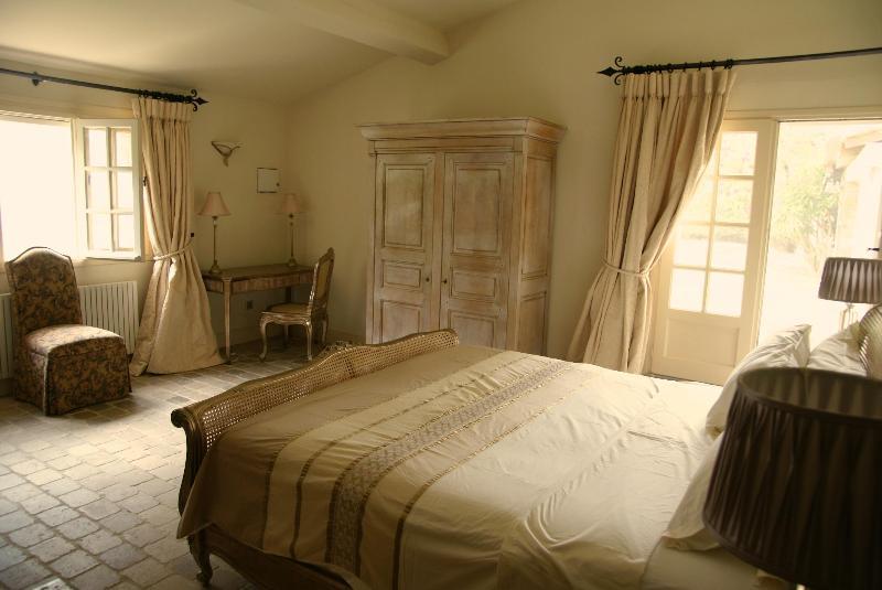 Garden Room at the Chateau d'Eau - Image 1 - Aude - rentals