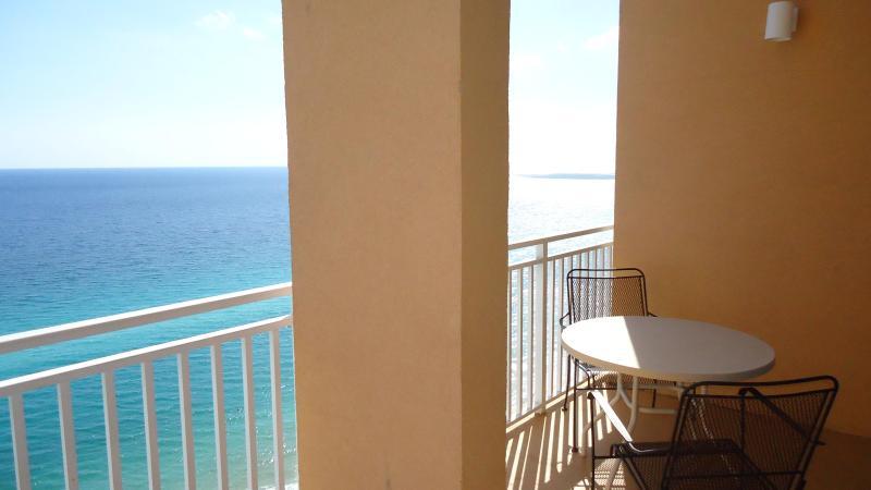 FALL DEALS! HUGE SPACIOUS GULF FRONT ROOM! 2104E - Image 1 - Panama City Beach - rentals