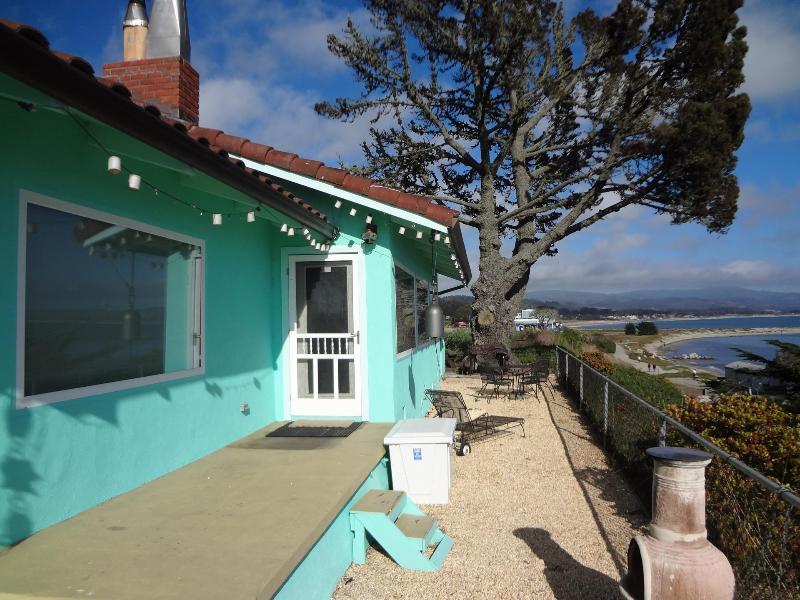 Come stay in the charming Half Moon Bay! - Quaint Home overlooking Princeton Harbor - El Granada - rentals
