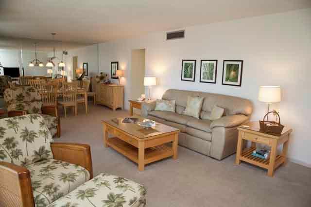 Living Area - Gulfside Large Garden Unit L - Sarasota - rentals