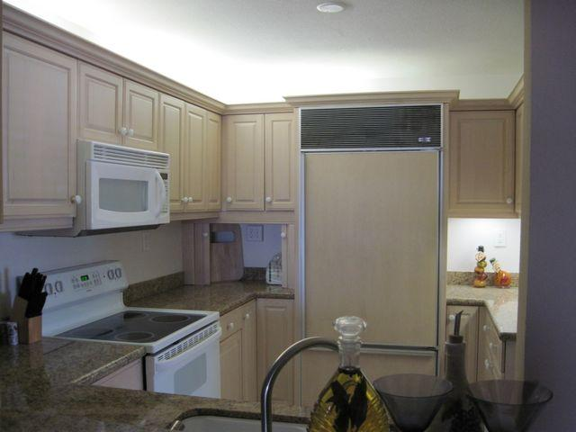 Kitchen - Gulfside Mid-Rise Unit 301E - Siesta Key - rentals