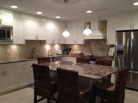 Kitchen and Dining Room - Poolside Large Garden Unit C - Siesta Key - rentals