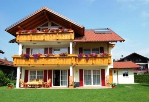 LLAG Luxury Vacation Apartment in Schwangau - 969 sqft, comfortable, exclusive, central (# 4153) #4153 - LLAG Luxury Vacation Apartment in Schwangau - 969 sqft, comfortable, exclusive, central (# 4153) - Schwangau - rentals