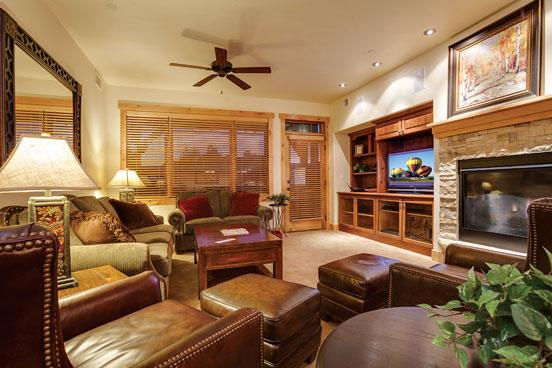 Bear Lodge Living Room - 6203 - 6203 Bear Lodge, Trappeur's - Steamboat Springs - rentals