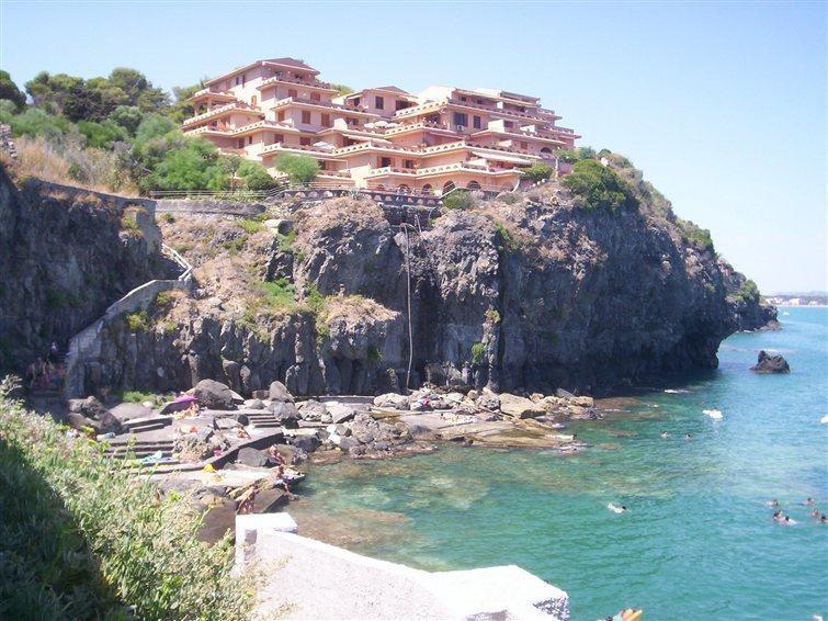 Iris House elegante trilocale con piscina e spiaggia riservata - Image 1 - Augusta - rentals