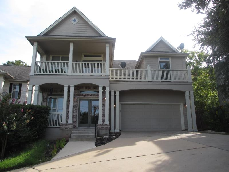 EXCLUSIVE CUSTOM HOME WITH VIEW IN TRAVIS HEIGHTS-WALK TO SOCO/DOWNTOWN - Image 1 - Austin - rentals