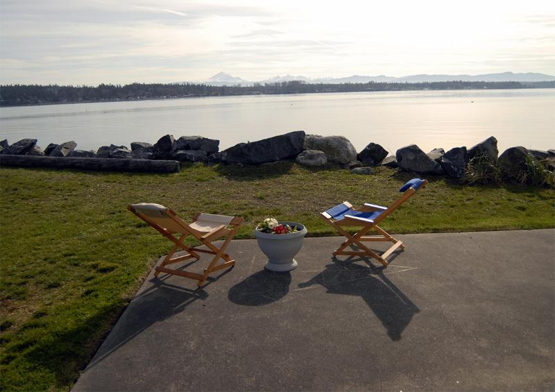Relaxing On The Beach - Grandma's Beach House - Lummi Island - rentals