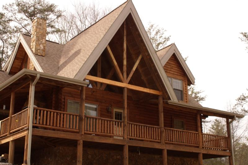 Deep Creek Mountain Lodge just outside of the Great Smoky Mountains National Park - DEEP CREEK MOUNTAIN LODGE near Bryson City - Bryson City - rentals