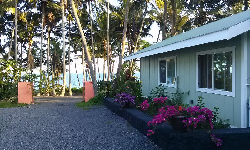 Side of the Whale House @ Kehena Beach displaying ocean view from cottage. (You can hear the waves) - The Whale House @ Kehena Beach - OCEANVIEW - Pahoa - rentals