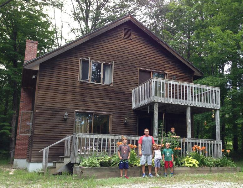 Charming Ski Chalet Close to Main St & Okemo Mtn - Image 1 - Ludlow - rentals