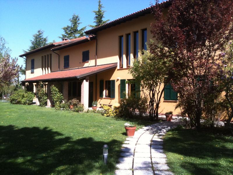 main entrance - Villa with pool and tennis court - Fontanile - rentals
