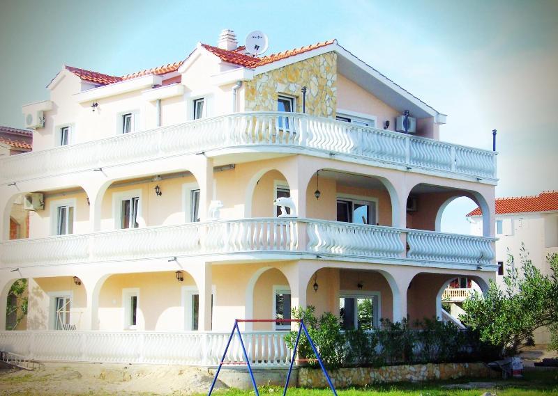 Villa Dolmar apartment 4 persons - Image 1 - Vodice - rentals