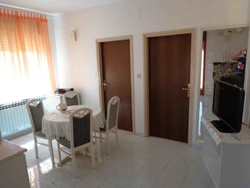 Modern apartment 2+2 - Image 1 - Fazana - rentals