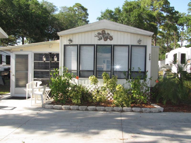 Sun n Fun   Sarasota Fl. park model    $49 $64 $89 - Image 1 - Sarasota - rentals
