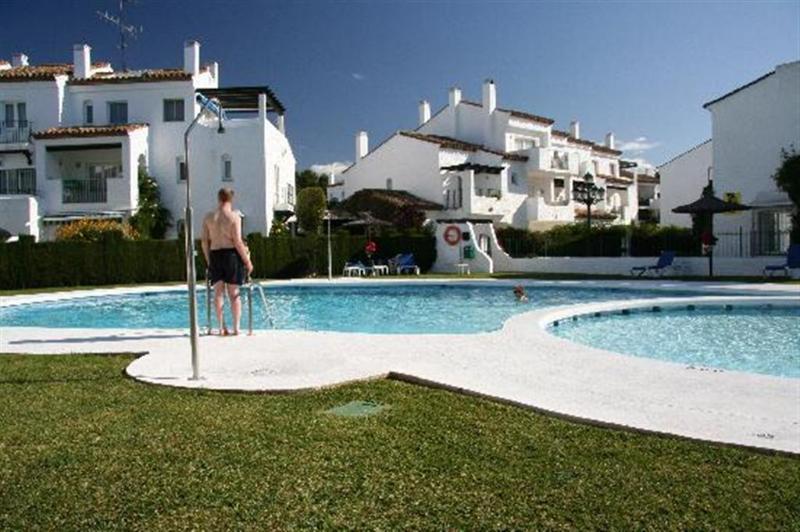 Poolside - Las Palmeras Benavista UK Top No1 in Costa del Sol - Estepona - rentals