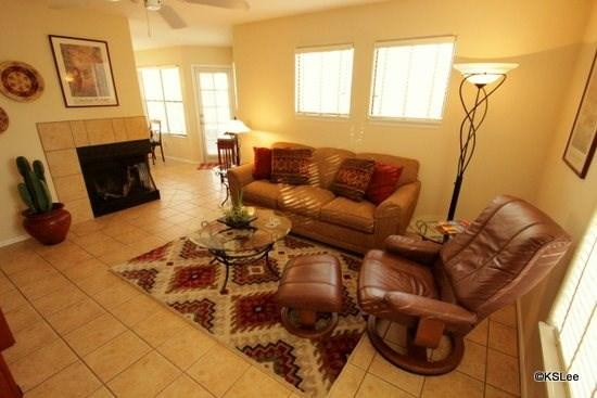 Large Living Room with Flat Screen TV and Cable - The Best Mountain Views in the Canyon! Come and Enjoy Canyon View in Ventana Canyon - Tucson - rentals