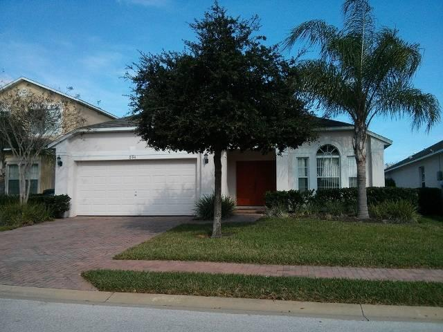 High quality 4 bedroom villa with private pool and spa. Great location! HGP264 - Image 1 - Davenport - rentals
